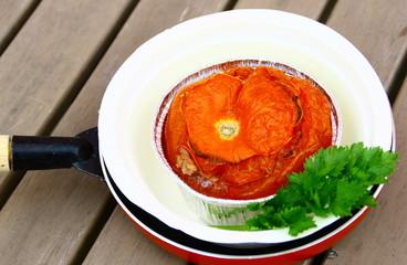 tomate farcie isolé