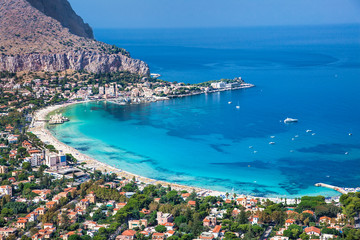 Spoed Fotobehang Palermo Panoramic view of Mondello white beach in Palermo, Sicily.