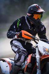 Fototapete - pilota di motocross