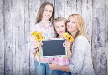 Familie Kinder Mama Tafel Blumen
