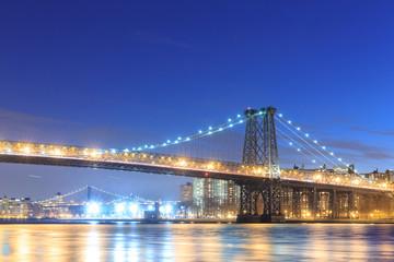 Williamsburg Bridge with New york city skyline