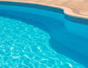 curve of pool