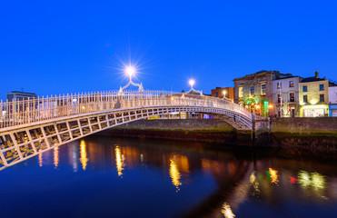 Wall Mural - Ha'penny bridge Dublin Ireland