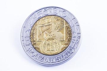 La lira, la vecchia moneta italiana:cinquecento lire Polizia