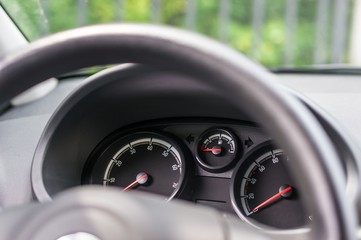 Steering wheel and dashboard