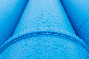 Tropfen auf Wasserleitung