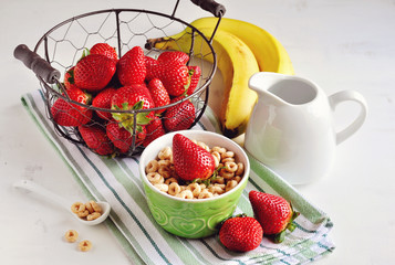 Cereal with strawberries and bananas