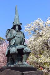熊本城 加藤清正像と桜