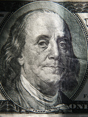 Benjamin Franklin's portrait is depicted on the $ 100 banknotes