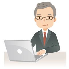 ビジネスマン パソコン シニア