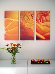 Interior Deko mit Bildern und Blumen