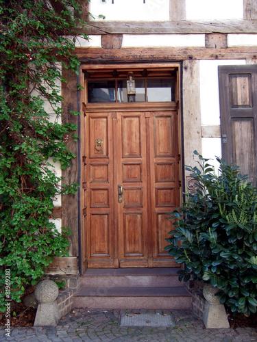 Bevorzugt alte Haustür - Fachwerkhaus