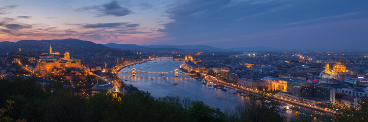 Keuken foto achterwand Boedapest Budapest panorama with Danube at night