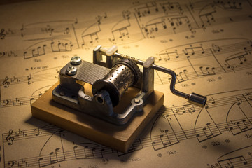 Music box with notes