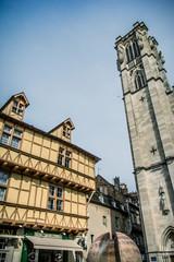 Cathédrale Saint-Vincent et maisons à colombages