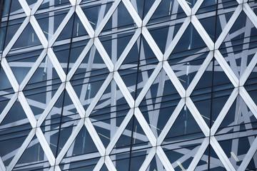 東京新宿の高層ビルの窓
