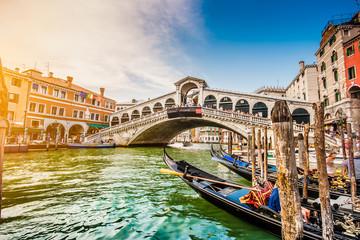 Obraz Canal Grande with Rialto Bridge at sunset, Venice, Italy - fototapety do salonu
