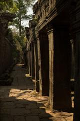 Banteay Kdei columns