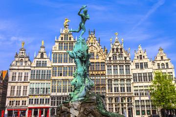 Stores à enrouleur Antwerp beautiful square in Antwerpen old town. Belgium