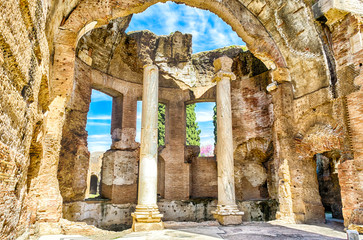 Fotomurales - Ruins inside the Great Baths at Villa Adriana (Hadrian's Villa)