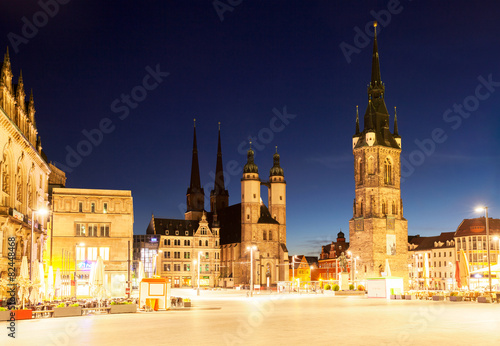 Halle Saale Markt Am Abend Stockfotos Und Lizenzfreie Bilder Auf