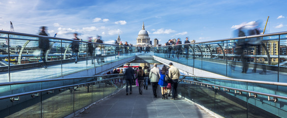 Panoramic view of the Millenium footbridge