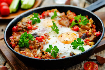 Printed kitchen splashbacks Egg fried eggs with peppers, tomatoes, quinoa and mushrooms