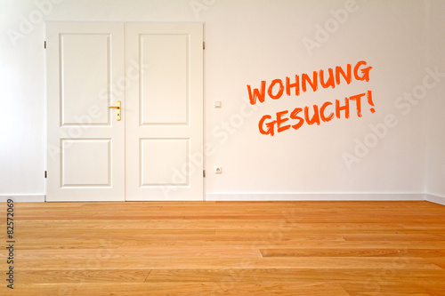 altbau wohnung gesucht zum mieten oder kaufen deutschland stockfotos und lizenzfreie bilder. Black Bedroom Furniture Sets. Home Design Ideas