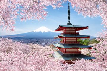 Keuken foto achterwand Kersenbloesem Chureito Pagoda in Fujiyoshida in spring