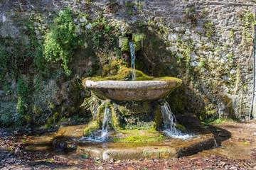 Hintergrund – mittelalterlicher Märchen Brunnen