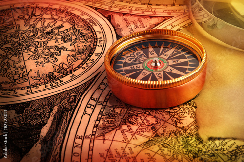 Wall mural Old compass