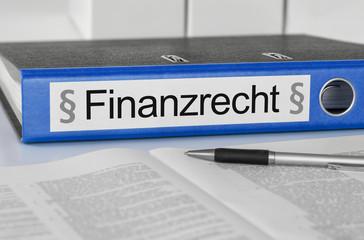 Aktenordner mit der Beschriftung Finanzrecht