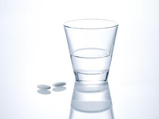 Glas Tablette Wasser