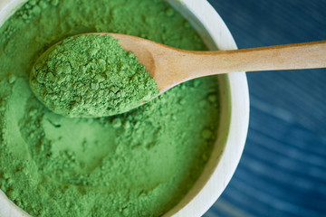 Super food Moringa green powder (Moringaceae)