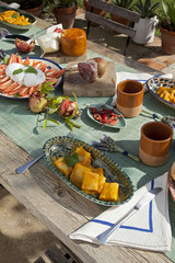 Printed roller blinds Picnic brunch in giardino con panorama