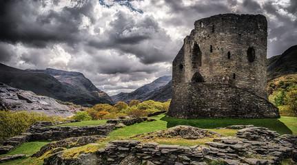 Fotobehang Kasteel Dolbadarn Castle