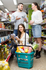 family purchasing food