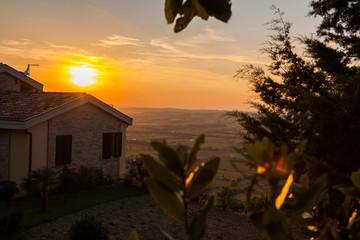 Tramonto sulle colline marchigiane, Marche, Italia