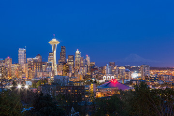 Wall Mural - Seattle downtown skyline and Mt. Rainier at night, Washington