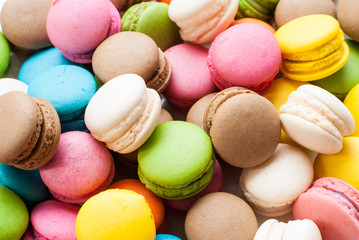 Foto auf Acrylglas Macarons traditional french colorful macarons in a box, background