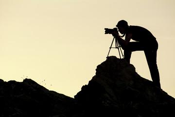 genç fotoğrafçı silüet