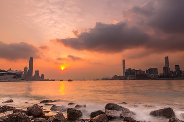Fotomurales - Sunset at Victoria Harbour of Hong Kong