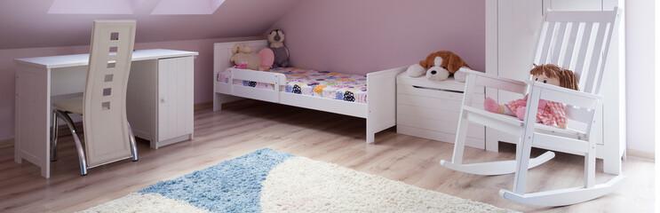 Cute pink girl's room