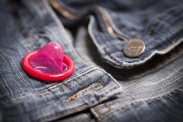 Sexualität  Verhütung mit Kondom