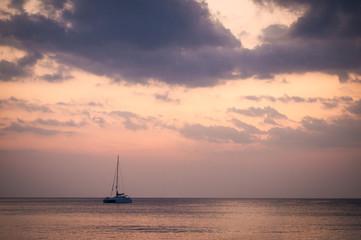Single yacht