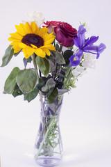 Mazzo di fiori: girasole rosa e giglio