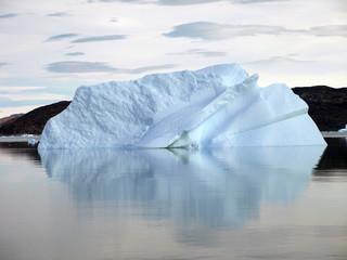 sich drehender Eisberg, Grönland