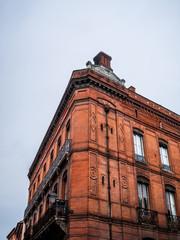 Immeuble rose à Toulouse