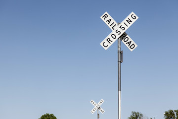 railroad crossing - 2 Schilder