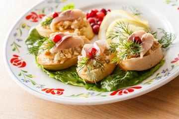 canape with herring